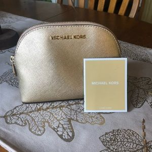 Michael kors Gold cosmetic case